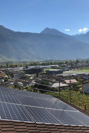 https://www.i-watt.ch/wp-content/uploads/2019/04/questions-installation-solaire-370x555.jpg