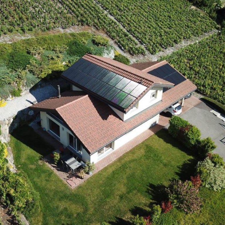 https://www.i-watt.ch/wp-content/uploads/2019/05/panneau-solaire-villa-iwatt-768x768.jpg
